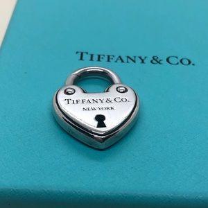 Tiffany & Co. Heart Arc Lock